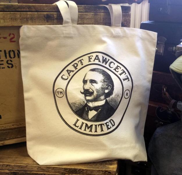 torba-kapitana-fawcetta