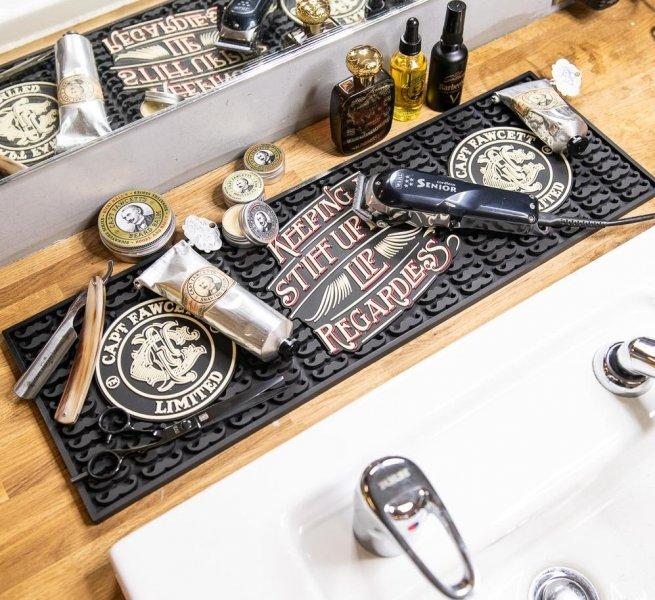 gumowa-mata-robocza-dla-fryzjerow